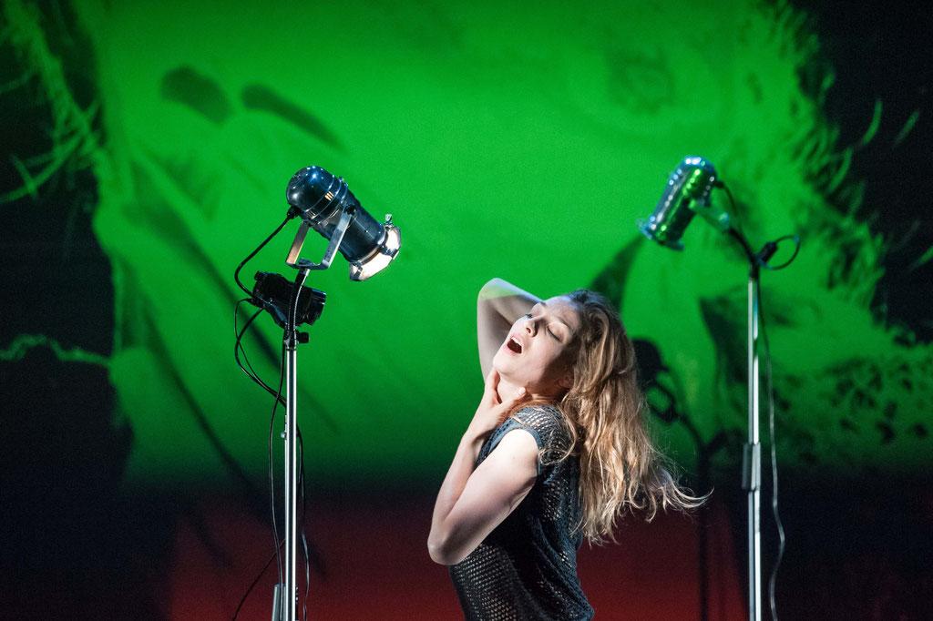 """Liquid Loft / Chris Haring """"Candy's Camouflage"""", Tanz Ist Festival 2017, Spielboden Dornbirn (A)"""