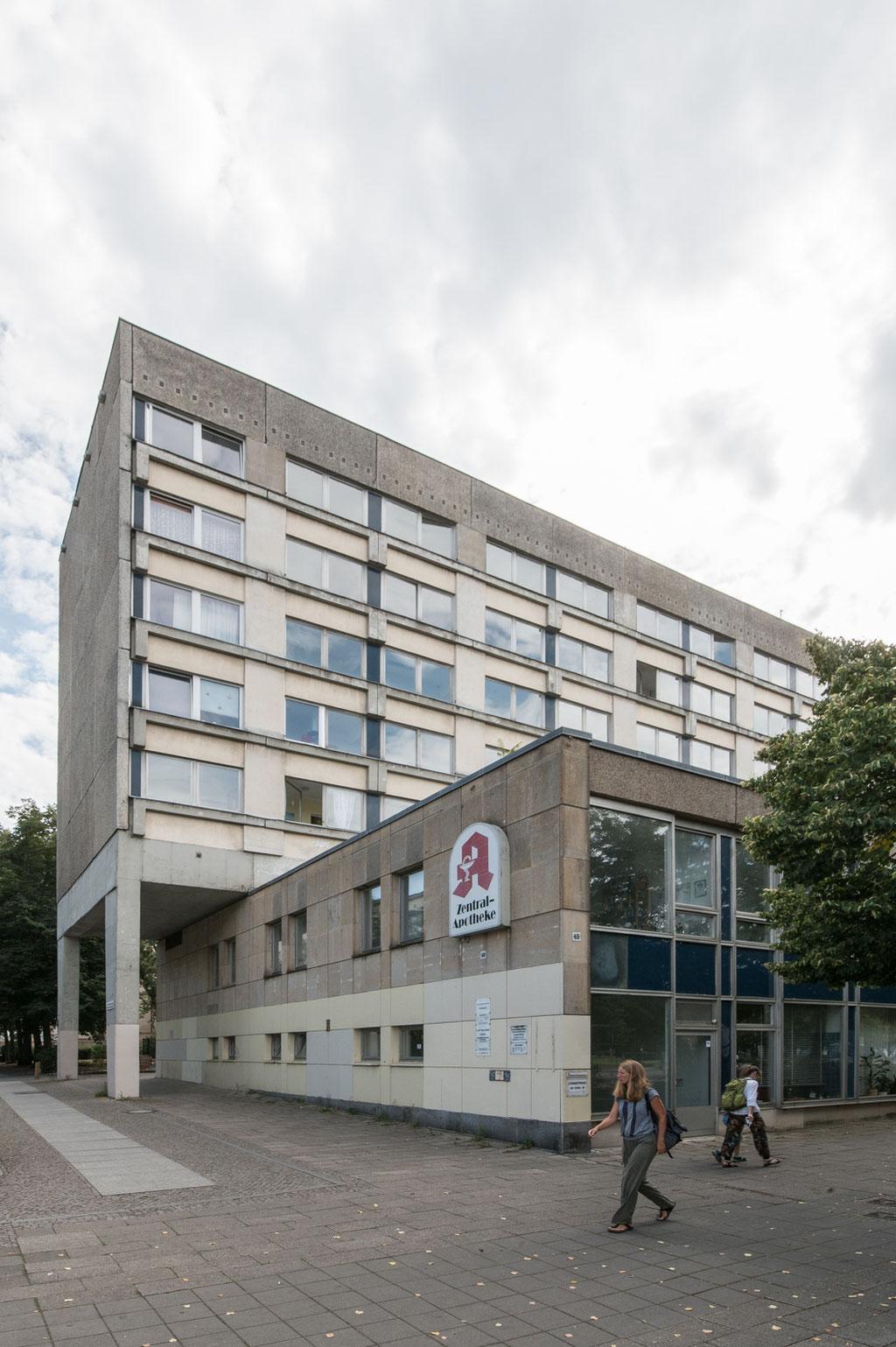 Wohnhaus am Staudenhof (Hartwig Ebert, Peter Mylo, Fritz Neuendorf), Potsdam (D)