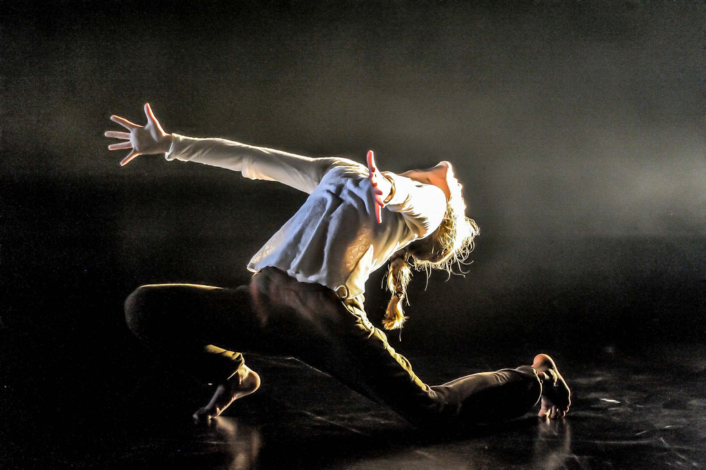 """James Wilton Dance """"Last Man Standing"""", Tanz Ist Festival 2015, Spielboden Dornbirn (A)"""