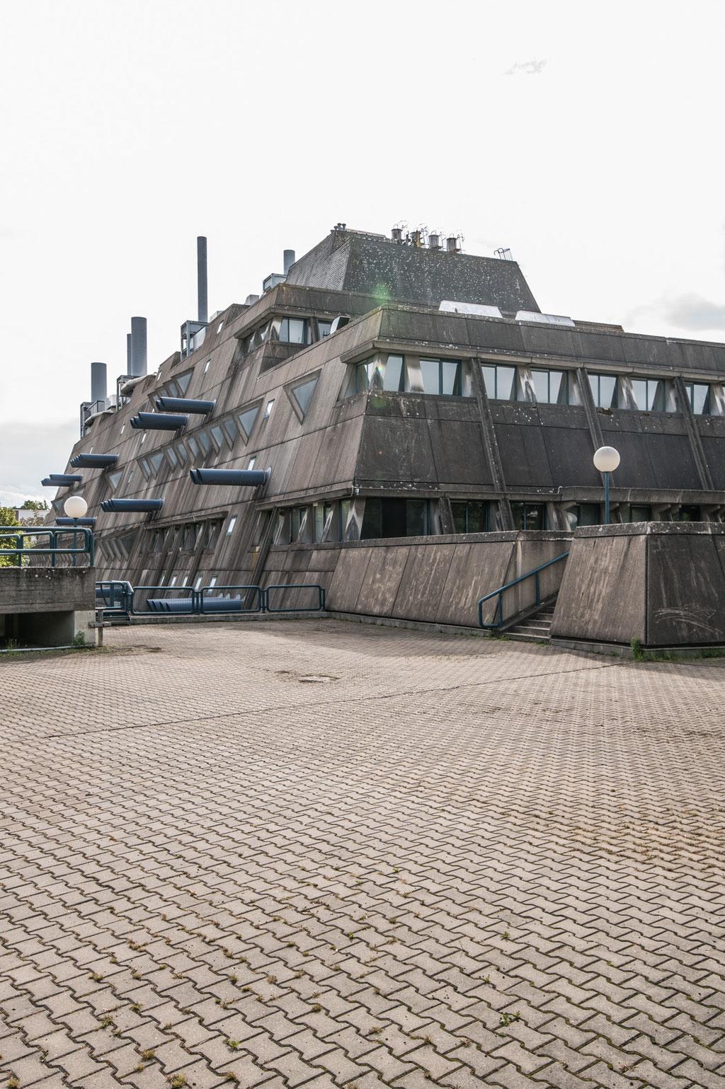 """""""Mäusebunker"""", ehem. Tierlabor der / former Animal lab of Charité (Gerd & Magdalena Hänska), abrissgefährdet/threat of demolition, Berlin-Steglitz (D)"""
