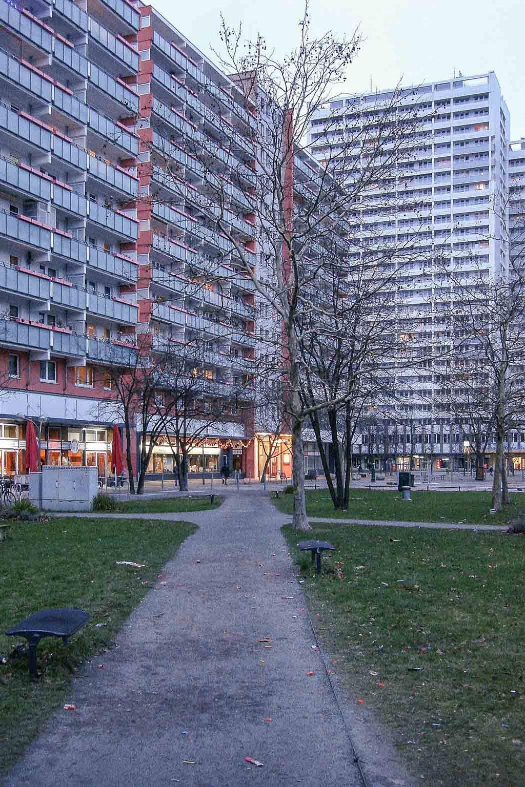 Wohngebäude Anton-Saefkow-Platz, Berlin (D)