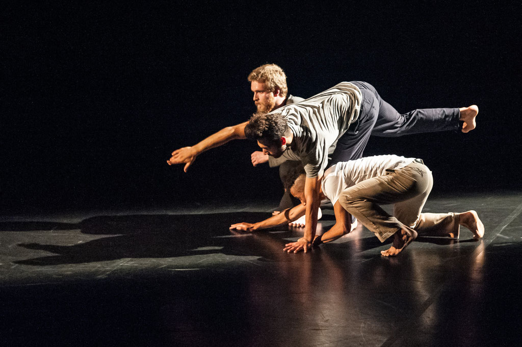 "Dhélé Tchekpo Agbetou, Link Bink Berthomieux & Bartek Przybylski ""Urban Dance Art"", Tanz Ist Festival 2018, Spielboden Dornbirn (A)"