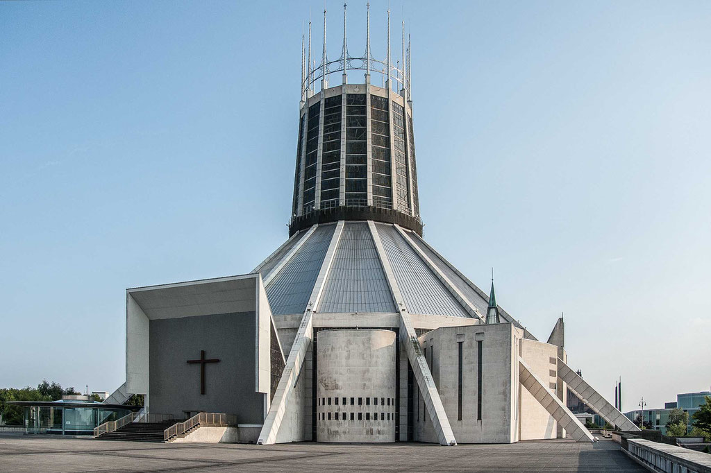Metropolitan Cathedral of Christ The King (Frederick Gibberd), Liverpool (UK)