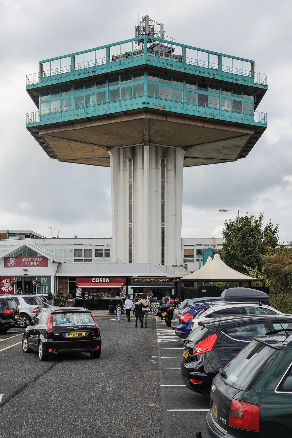 Lancaster Motorway Service station (T. P. Bennett and Son), M6, Lancaster (UK)