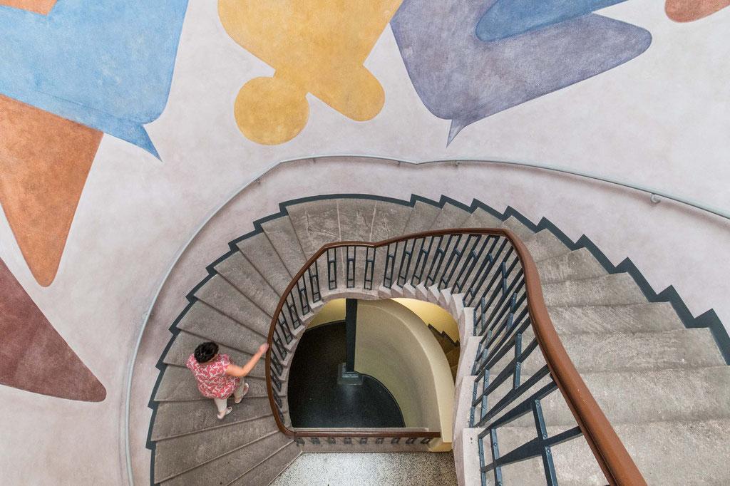 Figurenfries (Oskar Schlemmer), Treppenhaus Van-de-Velde-Bau, Weimar (D)