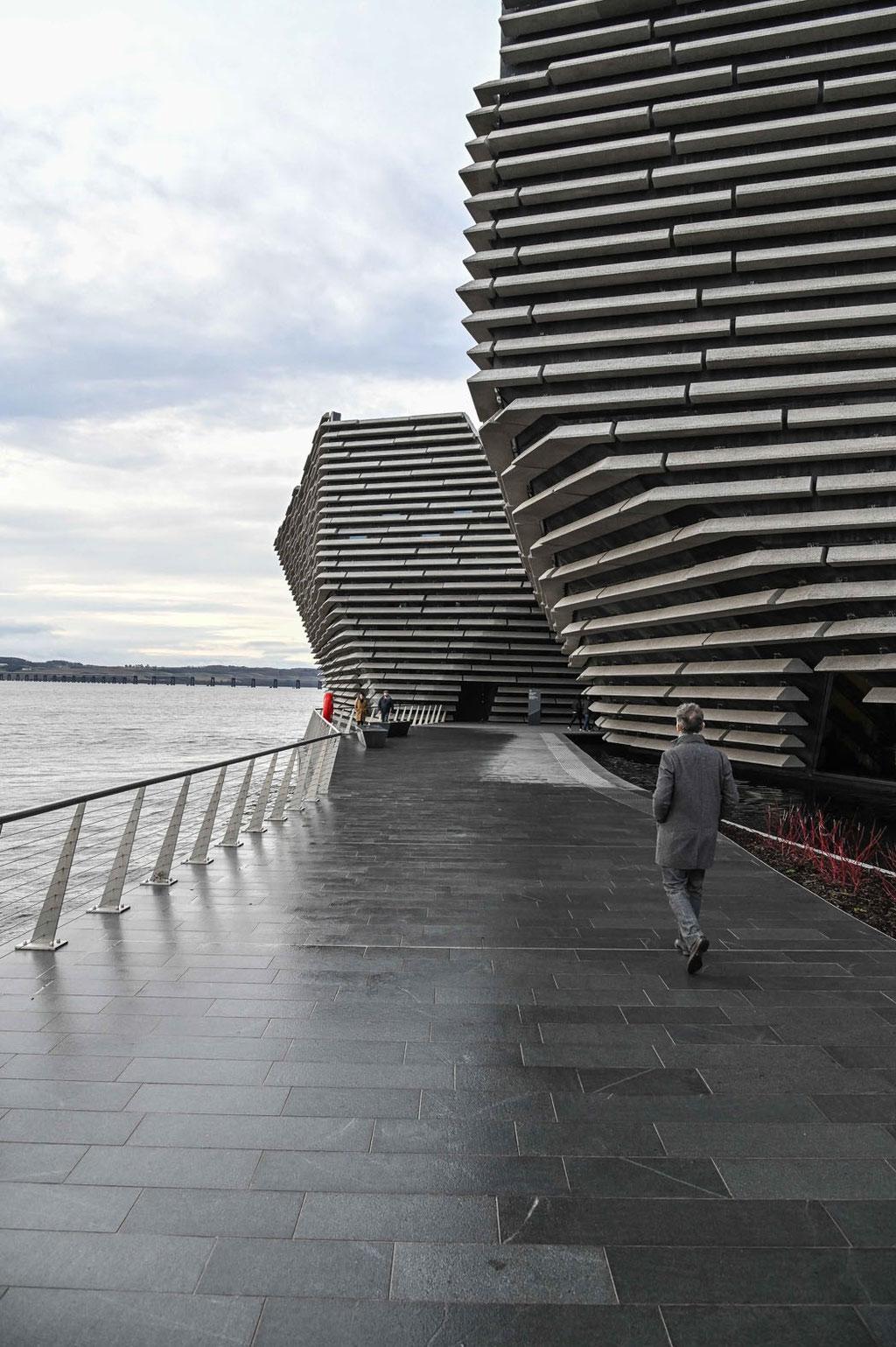 Victoria & Albert Museum (Kengo Kuma & Associates), Dundee (UK)
