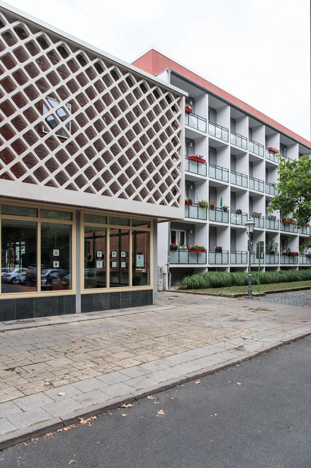 Lichtstudio Halle, Zentrum für Lichtversuche (Kollektiv O. Arlt), heute Lichthaus-Kulturcafé, Dreyhauptstraße, Halle (D)