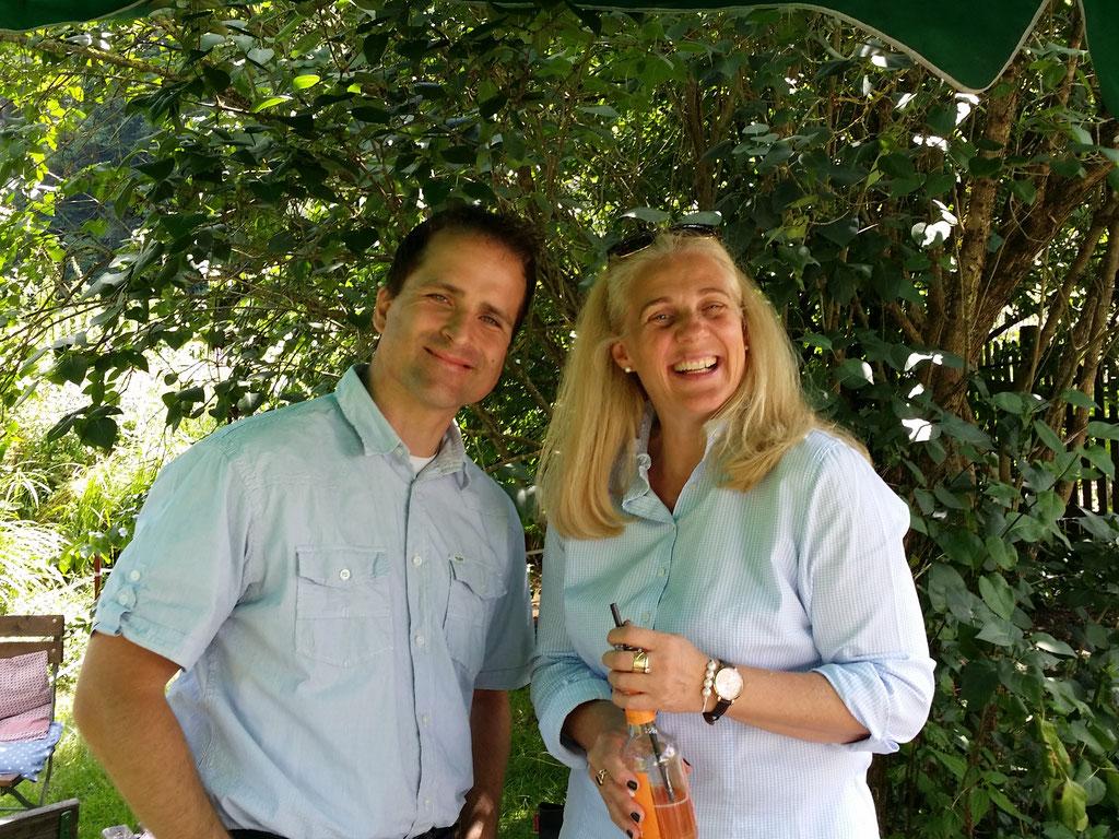 Versicherungsexperte Andre Mikula und Susanne Eckmann von der Wirtschaftsimpuls GmbH am Fachvortrag in der Eselsmühle