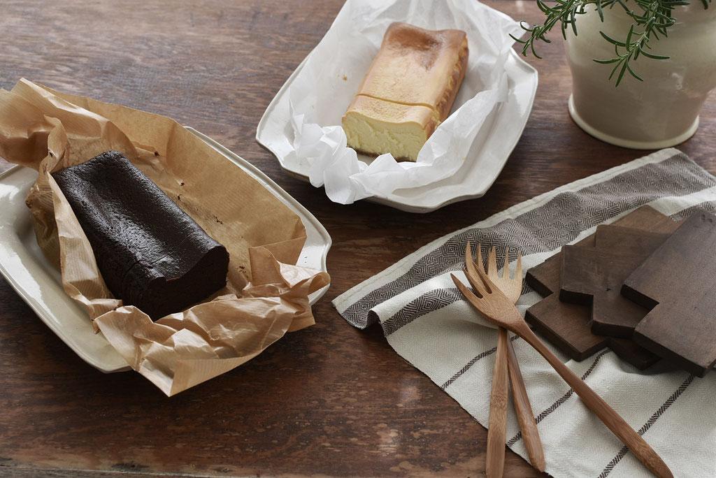 嬉しい包みを開けるとケーキが2本お目見え