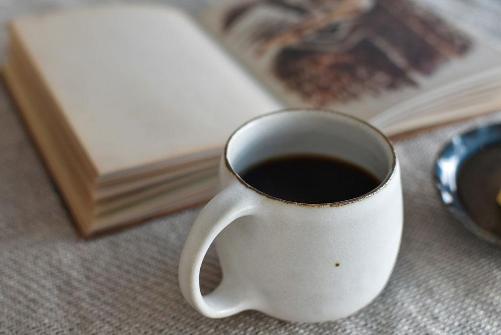たくまポタリーのたっぷりマグでコーヒータイム