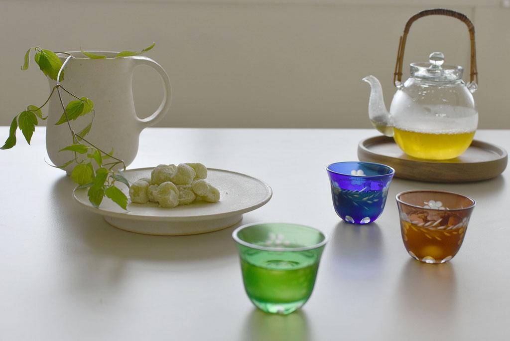 ガラスの器で冷茶