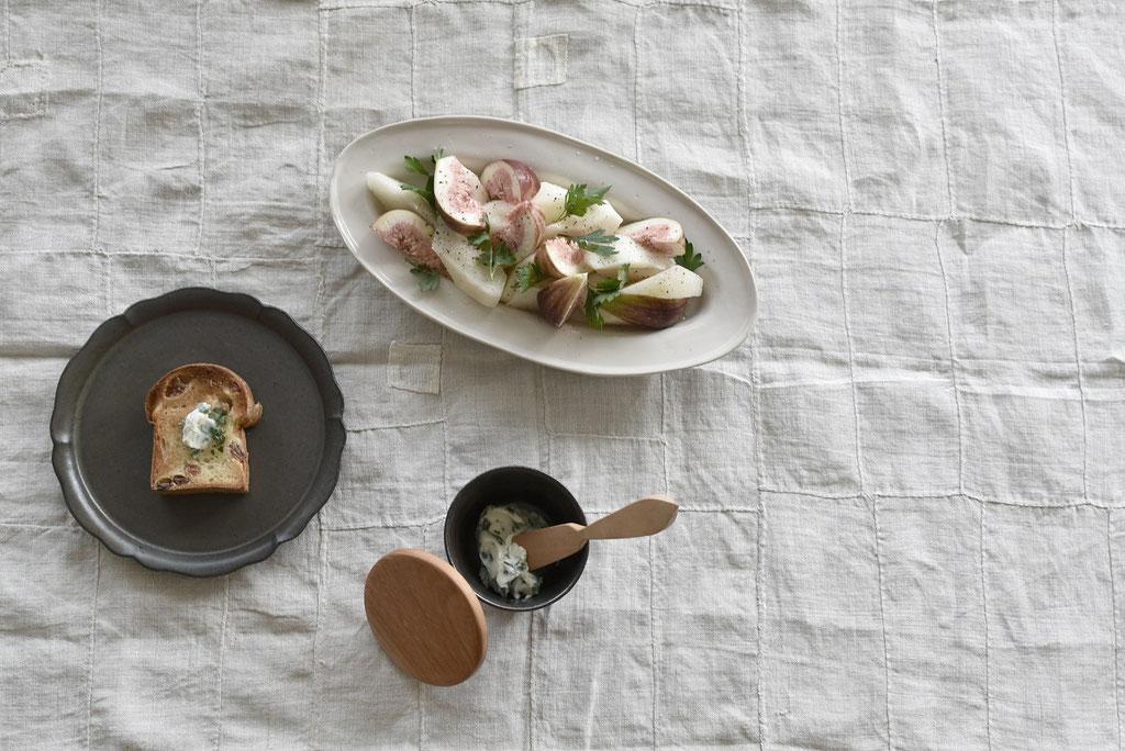 パセリバターをお気に入りの食パンで