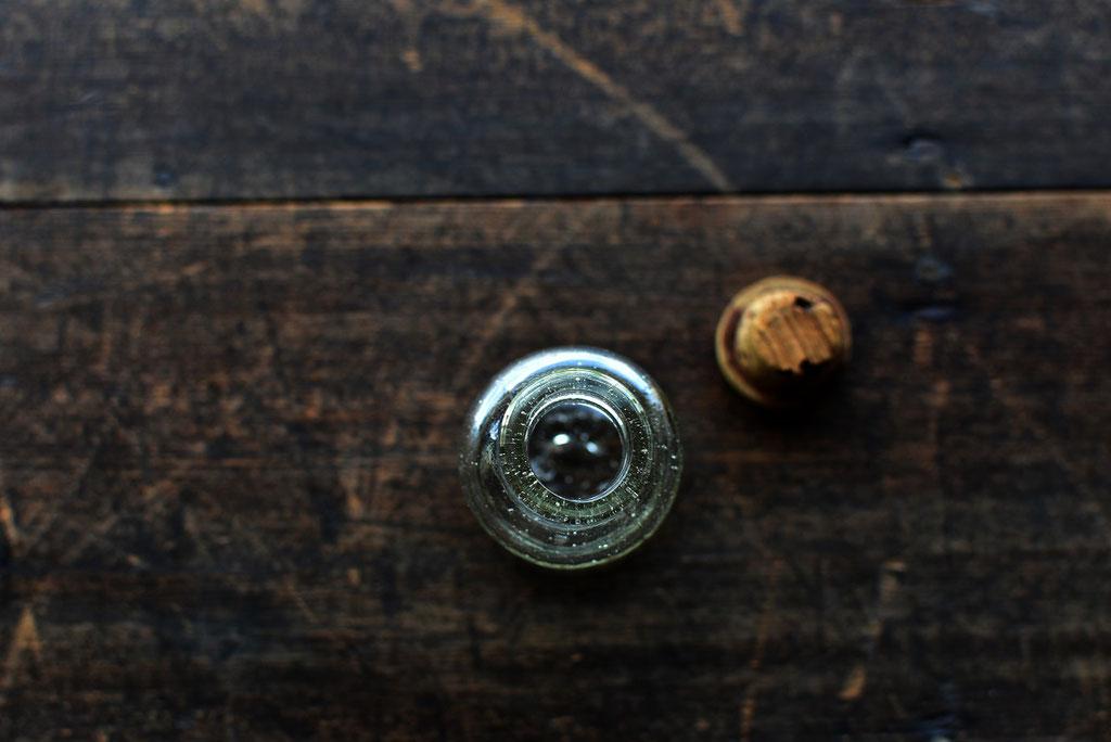 小さなガラス瓶の気泡