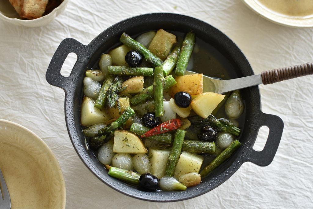 スキレットで野菜のアヒージョ