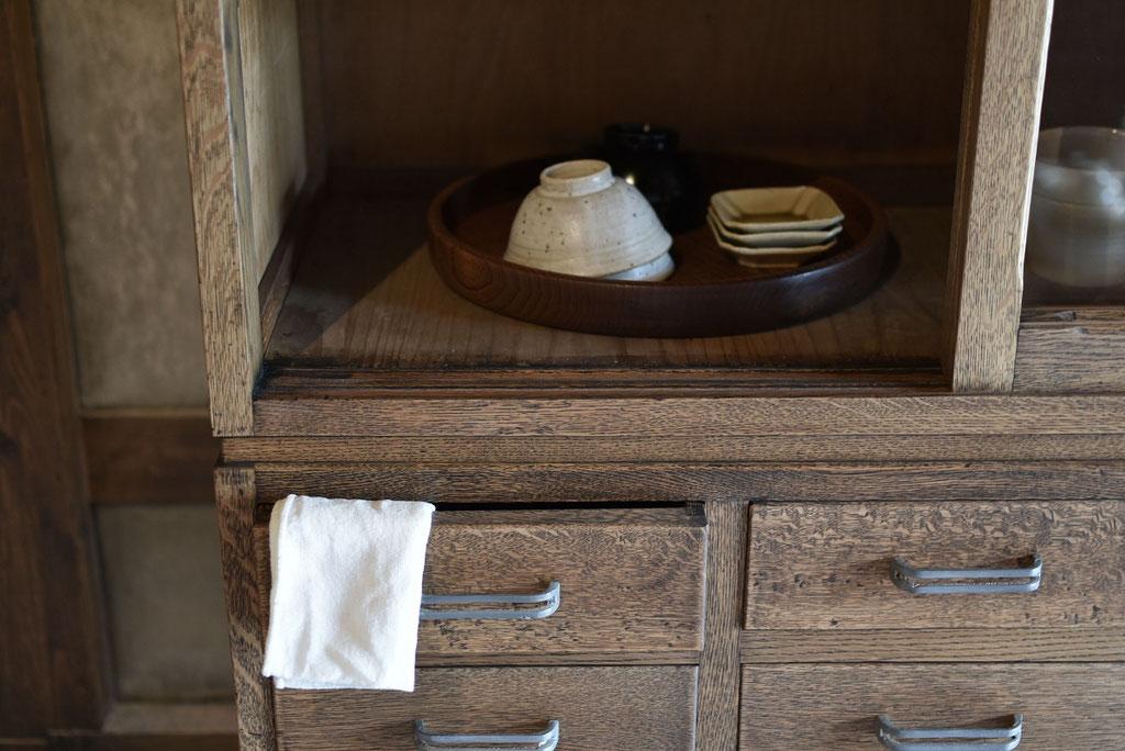 味わい深い古家具の引き出し金具