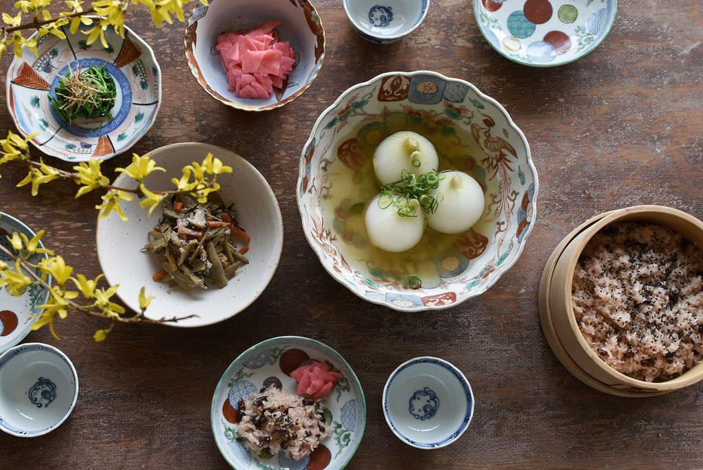 春の食卓 古い器でテーブルコーデ