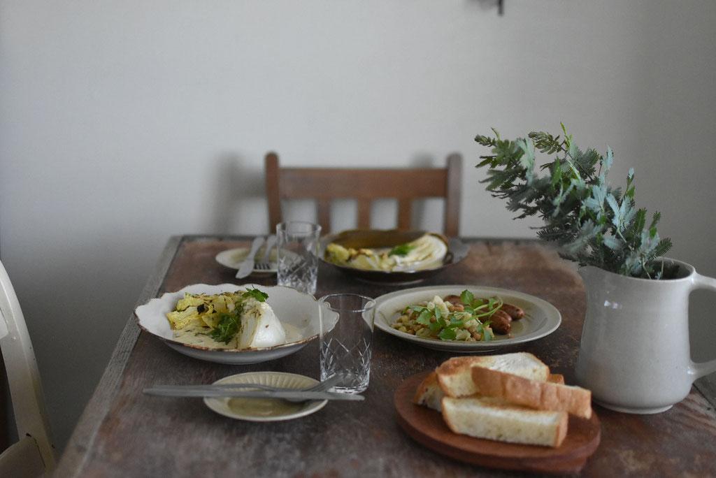 白菜の白ポタージュなど旬の食材をいただきます。