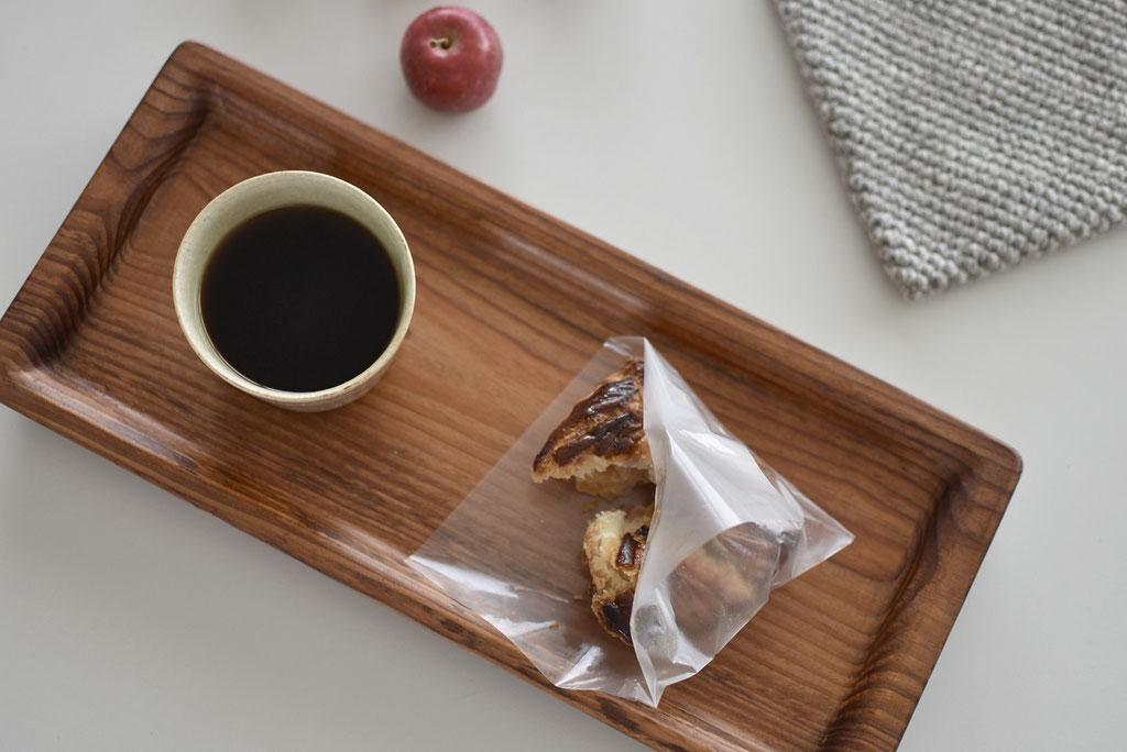 アップルパイとコーヒーのおやつタイム