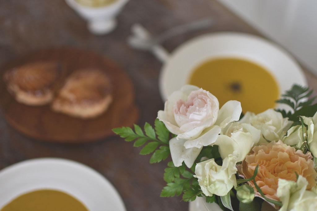 テーブルに花を ささやかな贅沢