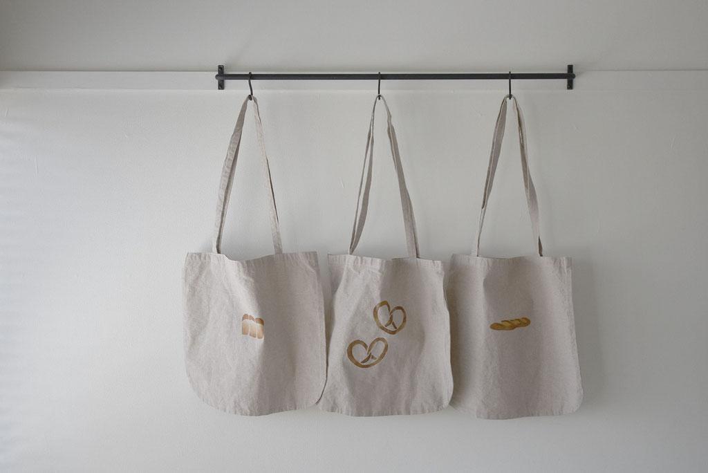 エコバッグのパンシリーズが揃いました。山型パン プレッェル バタール
