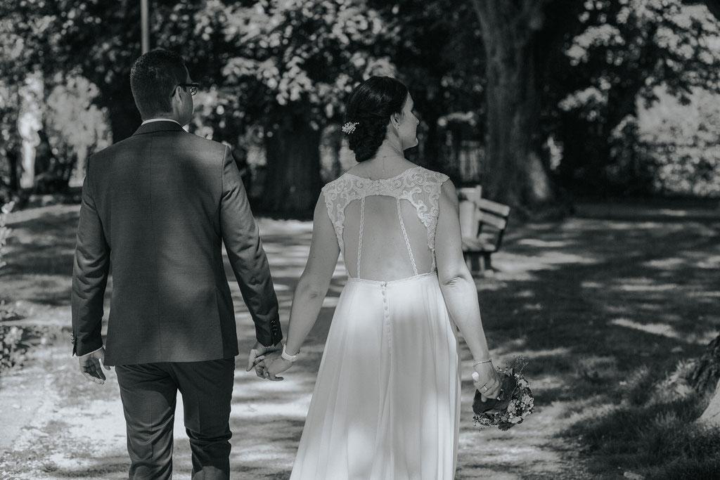 Brautpaarfoto in Schörfling am Attersee (c) Mara Pilz Fotografie