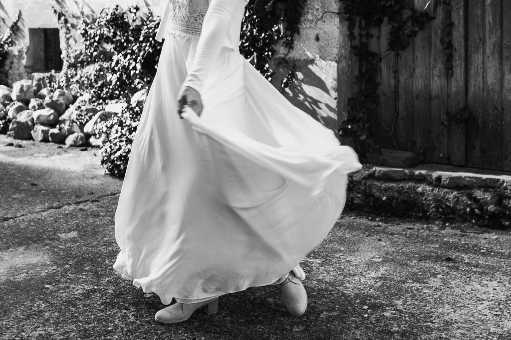 Hochzeitskleid aus feinem fallenden Stoff