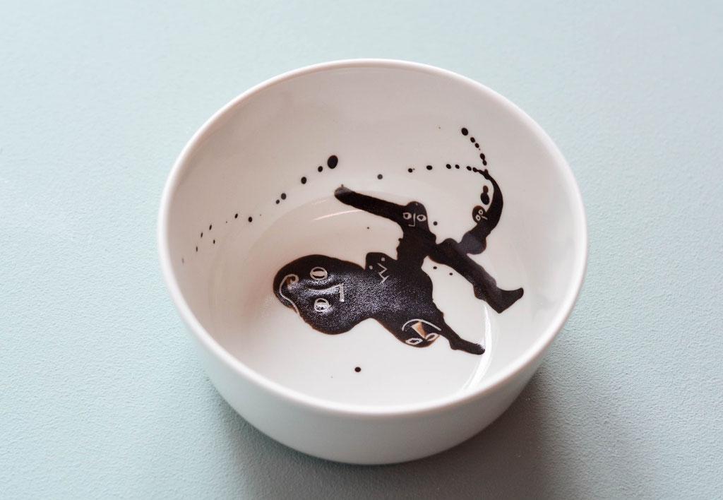 tanzend Funken sprühen, Poesie auf Keramik, 2018 (verkauft)