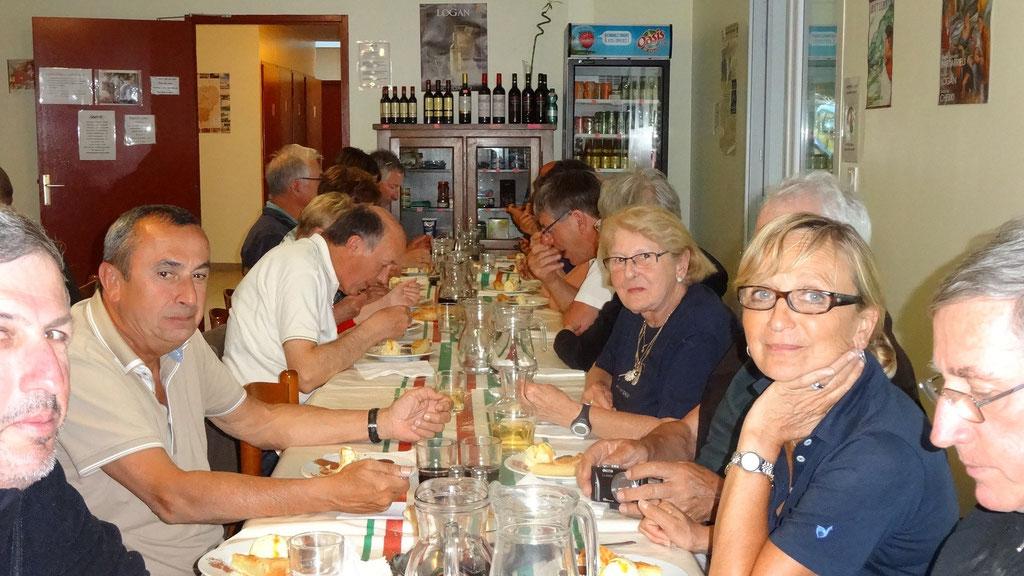 Repas avec nos amis pélerins d'Andernos