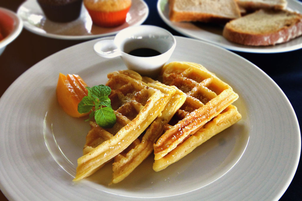 Those waffles...hmmm... Atmosphere Resort, Dauin, Philippines © Sabrina Iovino | JustOneWayTicket.com