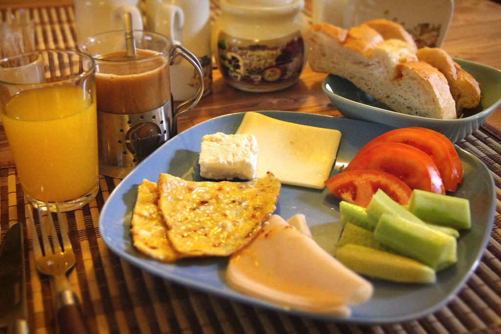 Complimentary Breakfast at the Castle Inn, Cappadocia © Sabrina Iovino | JustOneWayTicket.com