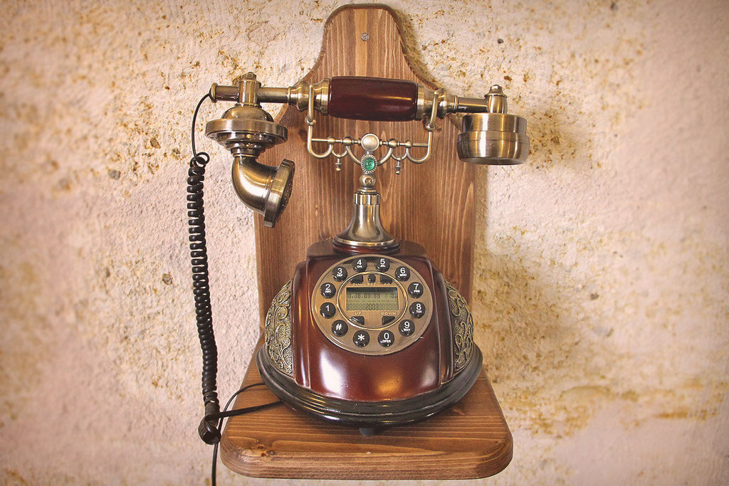 Free local calls with an antique telephone in each room... Castle Inn, Cappadocia © Sabrina Iovino | JustOneWayTicket.com