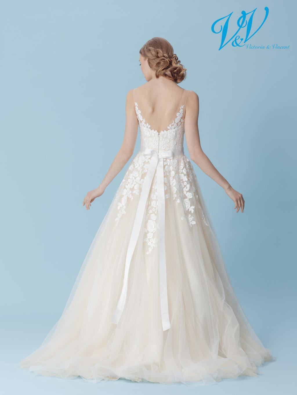 3D Blüten besten Brautkleider München Empfehlung Victoria und Vincent myLovely Spitze Designer günstig Qualität vintage blush