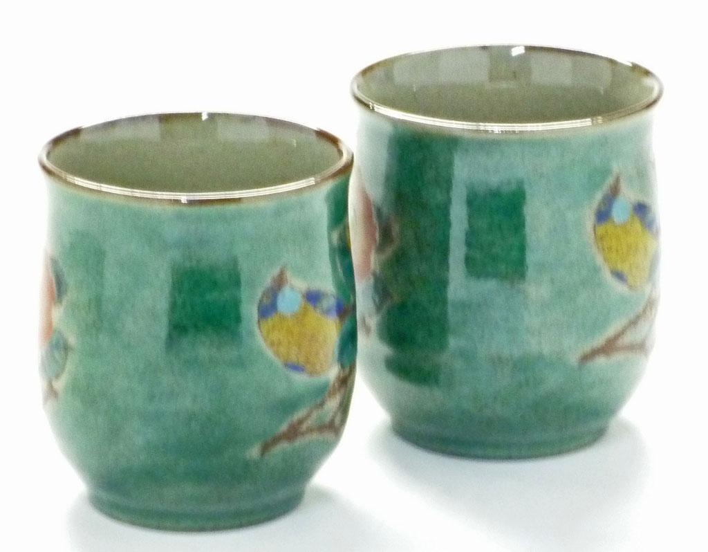 九谷焼通販 ギフト  おしゃれ お湯呑 湯飲み ゆのみ茶わん 夫婦湯呑 ペア 椿に鳥 緑塗り 裏絵 横からの図