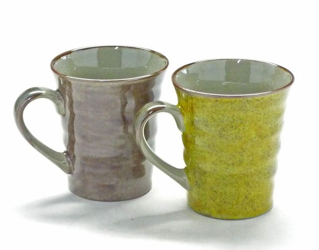 九谷焼通販 おしゃれ ギフト マグカップ マグ ペア 夫婦 金糸梅に鳥 紫&黄塗り 裏絵 背中の図