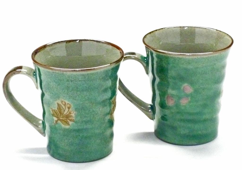 九谷焼通販 おしゃれ ギフト マグカップ マグ ペア 夫婦 しだれ桜緑塗り&ソメイヨシノ緑塗り 裏絵 背中の図