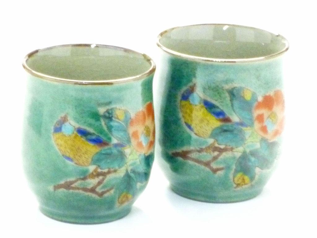 九谷焼通販 ギフト  おしゃれ お湯呑 湯飲み ゆのみ茶わん 夫婦湯呑 ペア 椿に鳥 緑塗り 裏絵 正面の図