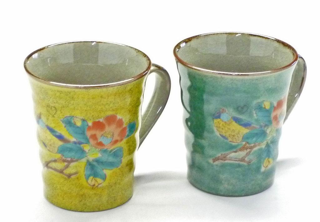 九谷焼通販 おしゃれ ギフト マグカップ マグ ペア セット 椿に鳥 黄塗り&緑塗り 裏絵 ハートの図