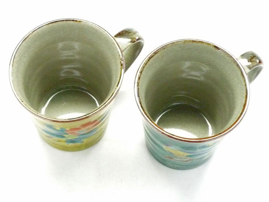 九谷焼通販 おしゃれ ギフト マグカップ マグ ペア セット 椿に鳥 黄塗り&緑塗り 裏絵 上からの図