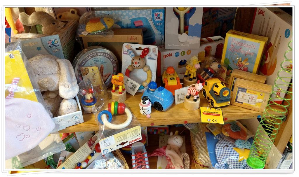 Spielwaren, Brettspiele & Kuscheltiere in der Villa Kunterbunt in Postbauer-Heng, Centrum 8b © Bilder Villa Kunterbunt