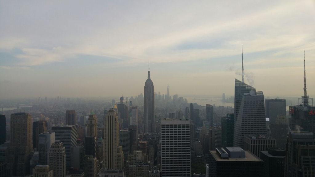 Blick vom Rockefeller Center auf das Empire State Building