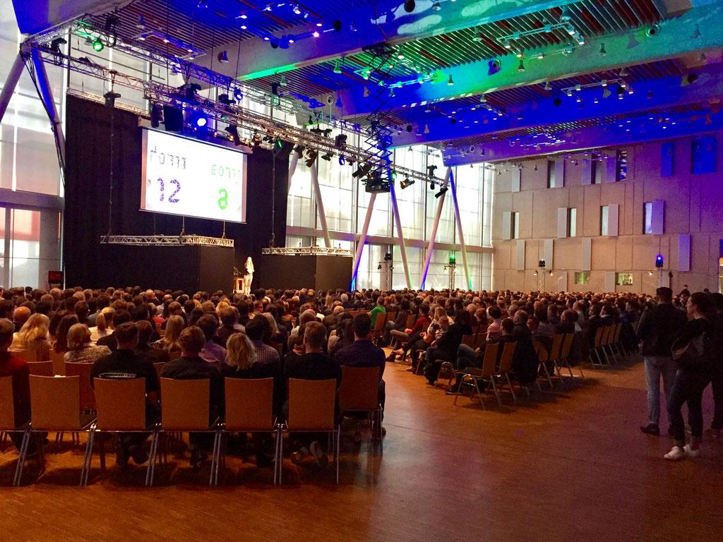 Unser Auftritt in der Carl-Benz-Arena im Mai 2017 vor ca. 800 Zuschauern zum Rollout des Rennteams der Uni Stuttgart