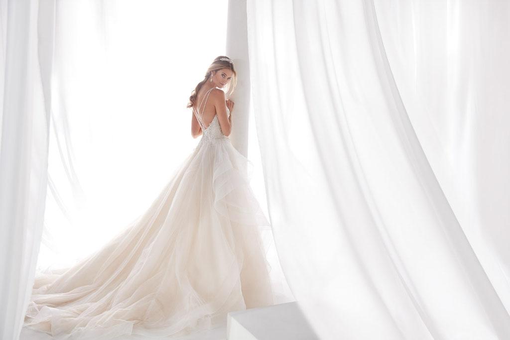 Nicole Spose Brautkleider bei Audrey Wedding Salon Brautmode in Köln