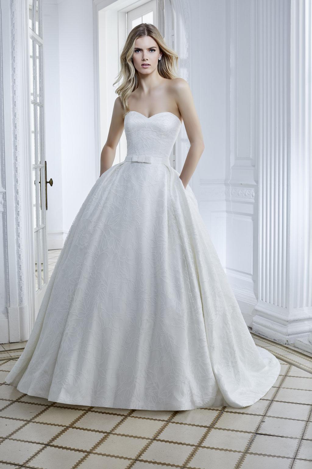 Devina Sposa 20215 vorne