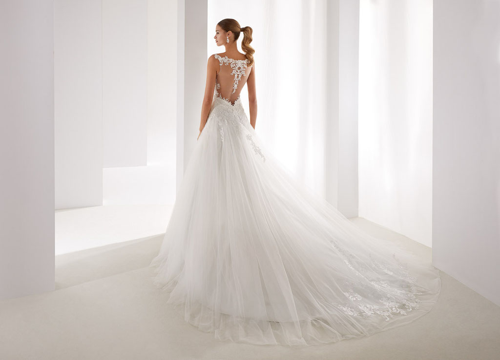 Aurora Brautkleider bei Audrey Wedding Salon Brautmode in Köln