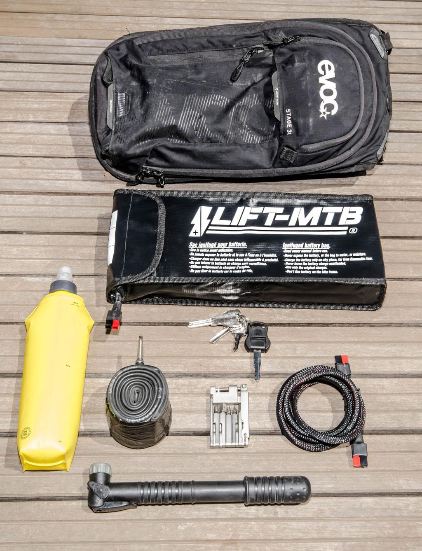 Borsa batteria capiente da 3 litri