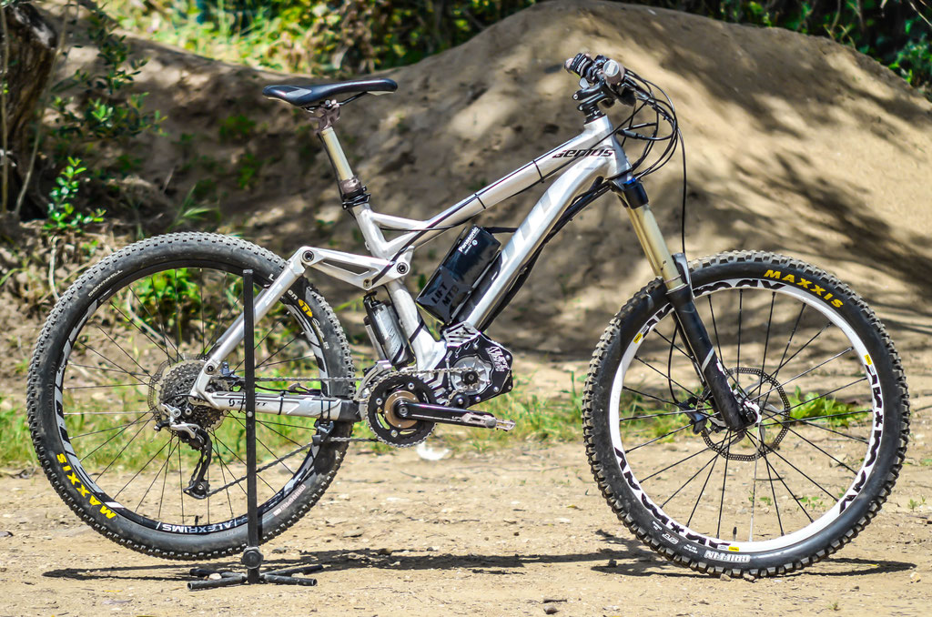 compact battery support on lift mtb kit