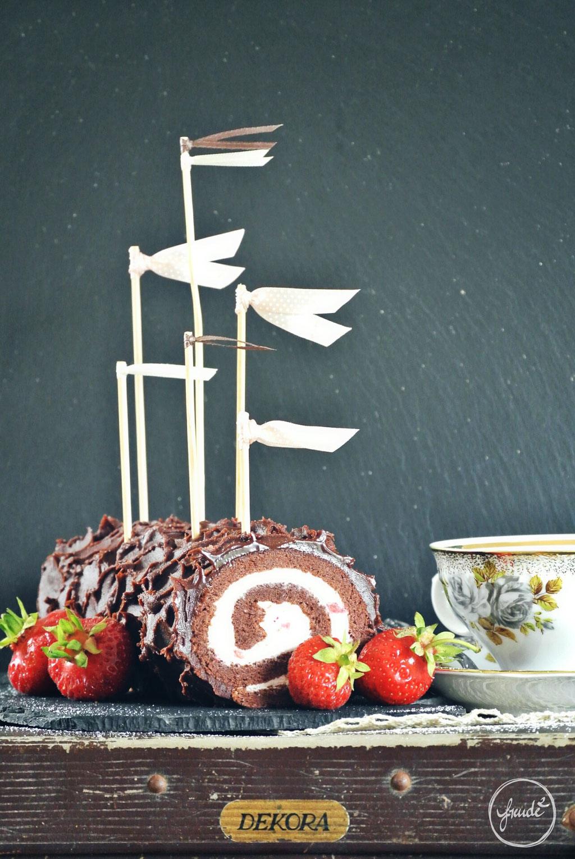 Schoko Rolle mit Erdbeer Mascarpone Füllung