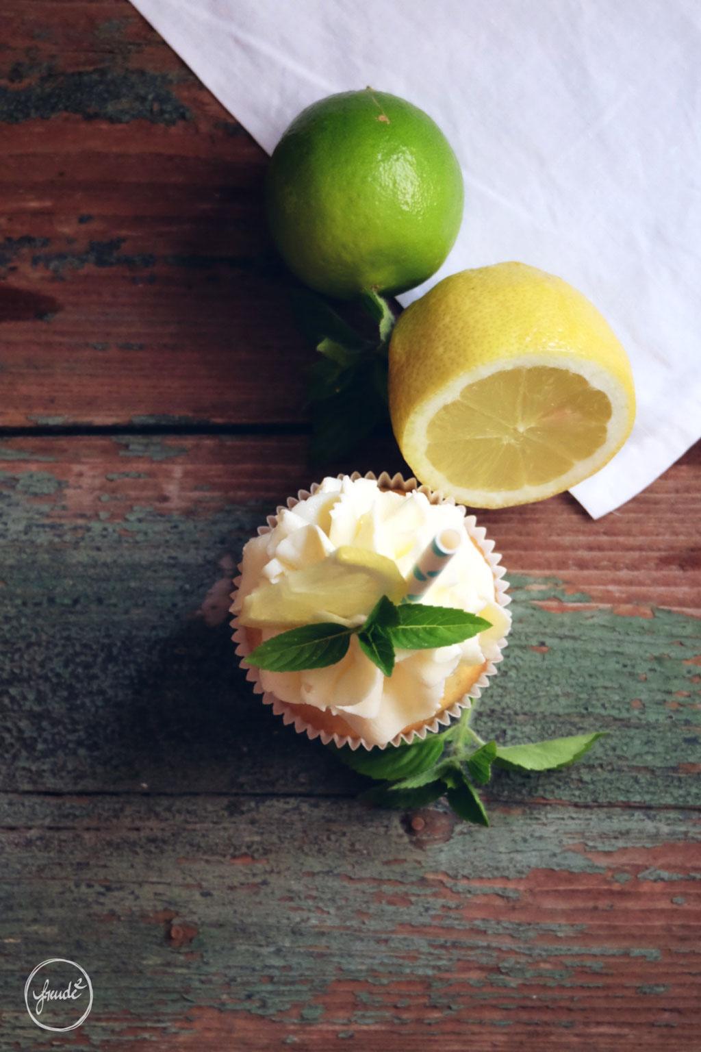 Zitronen Cupcakes mit frischen Garten Kräutern  | Freude ²