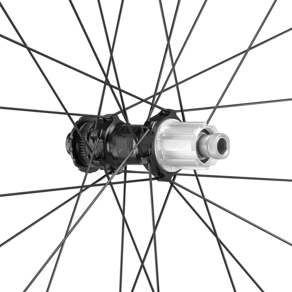 Mit einem optionalen Satz keramikbeschichteter Lager kannst Du die Leistung des Laufradsatzes noch weiter verbessern.