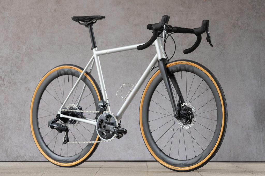 8bar Kronprinz Steel Road Disc Bike SRAM Etap silver
